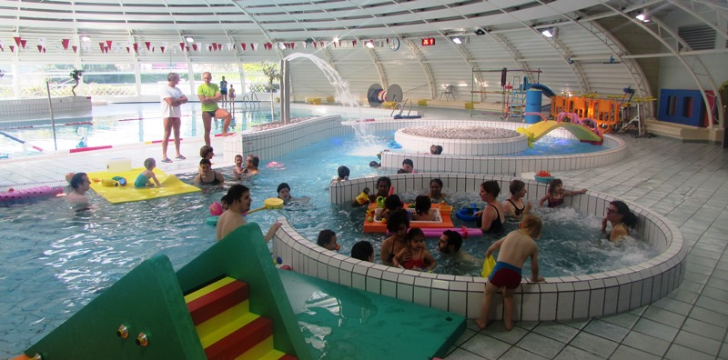 Activit des b b s nageurs la piscine tournesol de blois for Piscine tournesol blois